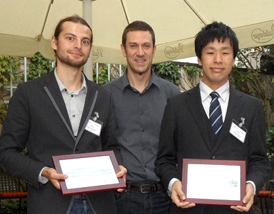 Stéphane Fischer, CEO of Ubertone, surrounded by the winners of the Ubertone Student Paper Award: Richard Nauber (left) and Tomonori Ihara (right)